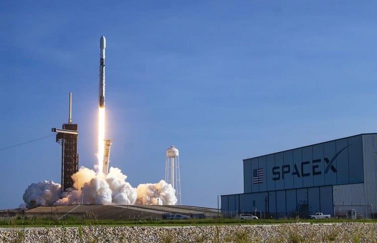 launch one of starlink sattelites