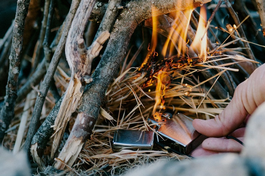Survival Lighters Review