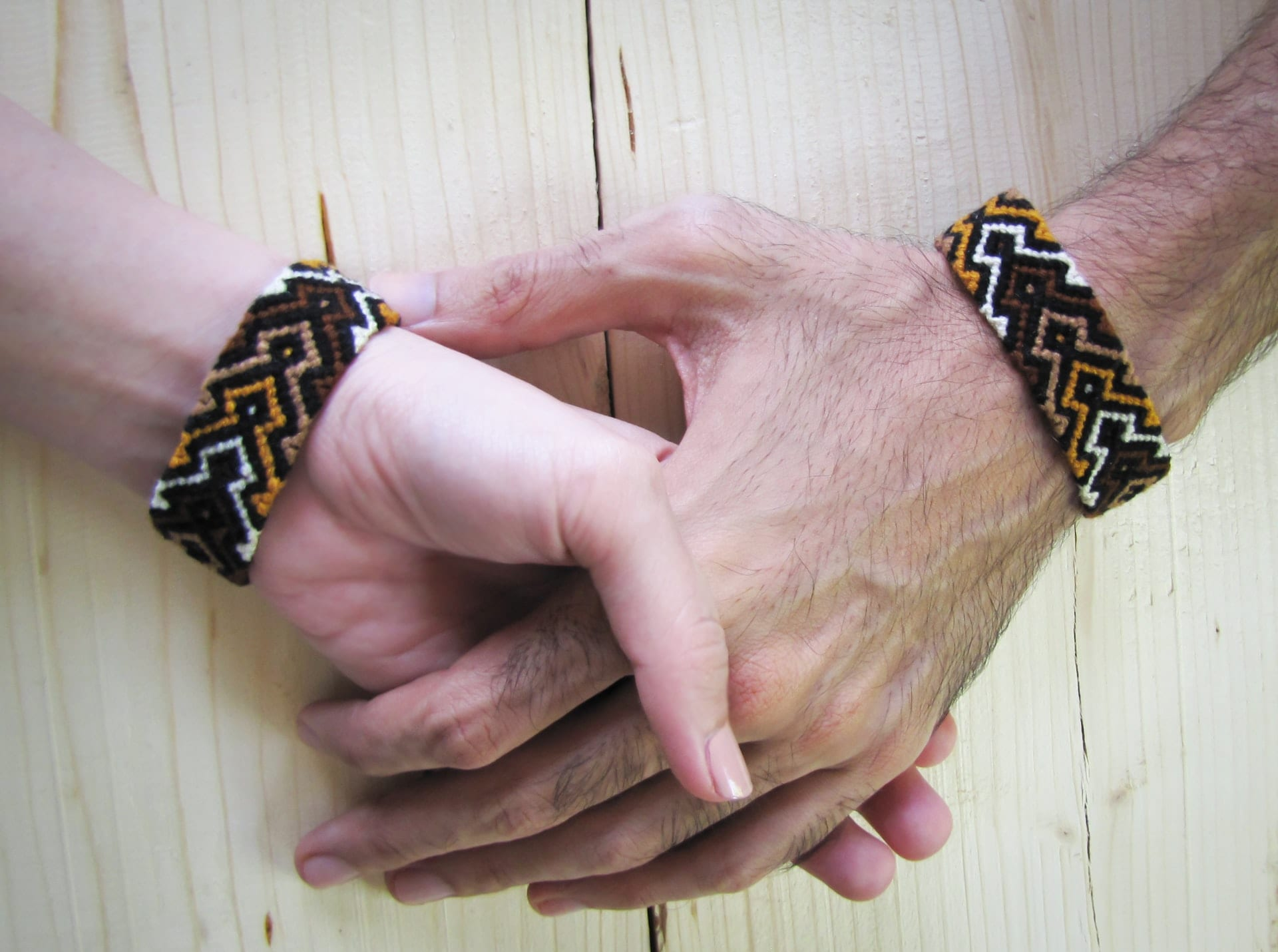 paracord friendship bracelet